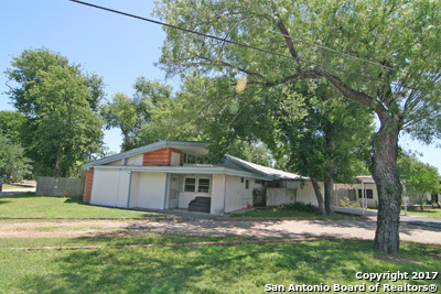 1102 FLORENCE ST, Castroville, TX 78009