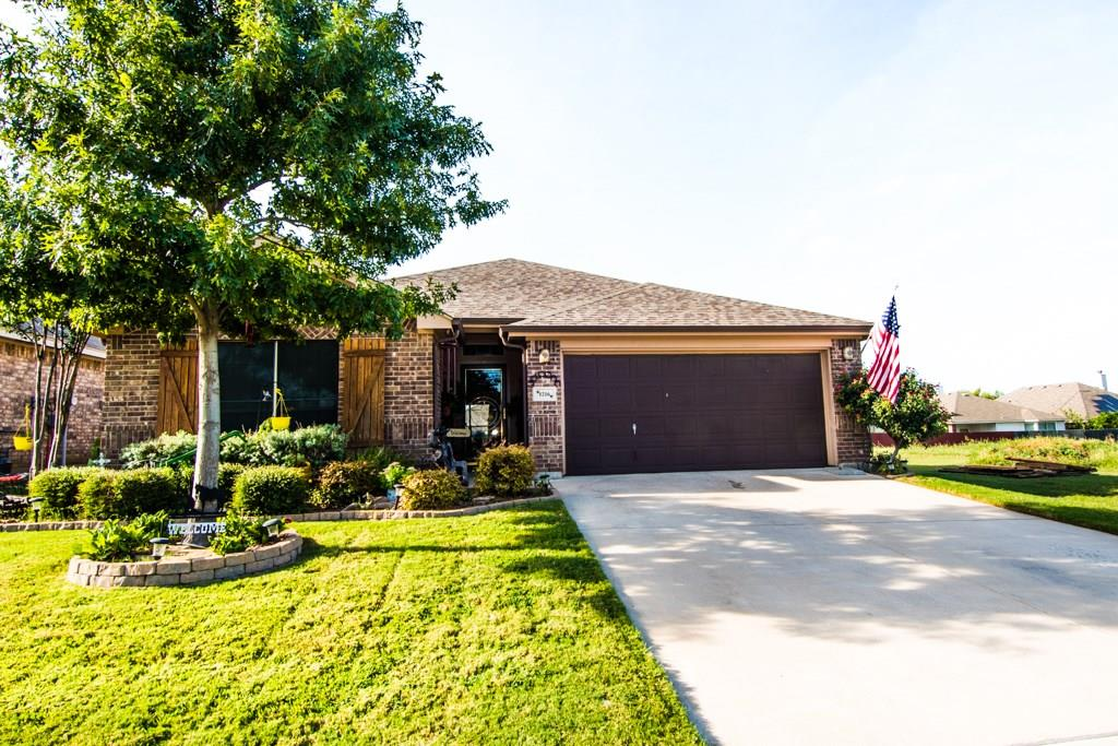 1216 Roping Reins Way, Fort Worth, TX 76052