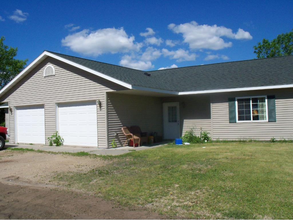 604 & 606 N Pickle Street, Hewitt, MN 56453