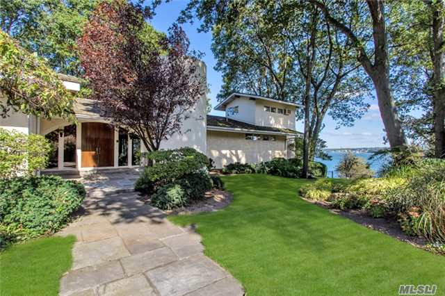 28 Forest Dr, Sands Point, NY 11050