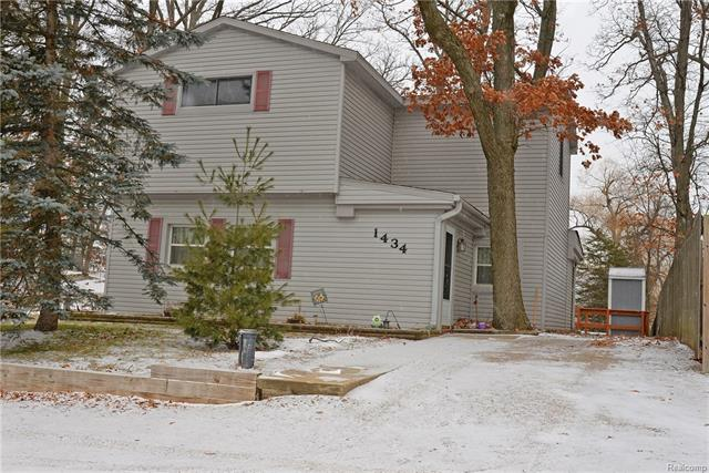 1434 KEMPSTER ST, Orion Twp, MI 48362