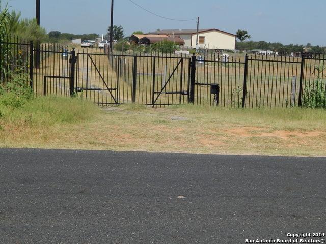20131 S Mc Connell Rd, Somerset, TX 78069