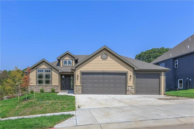 7375 NW Forest Lakes Drive, Parkville, MO 64152