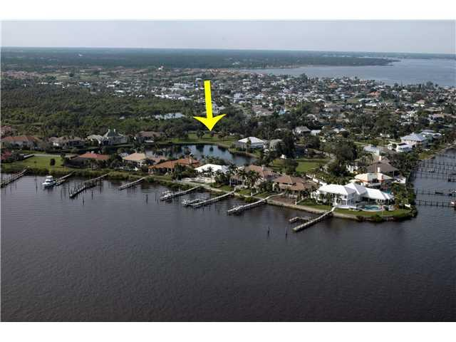 520 SW Bay Pointe Circle, Palm City, FL 34990