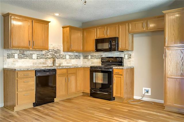 114 W Grant Drive, Raymore, MO 64083