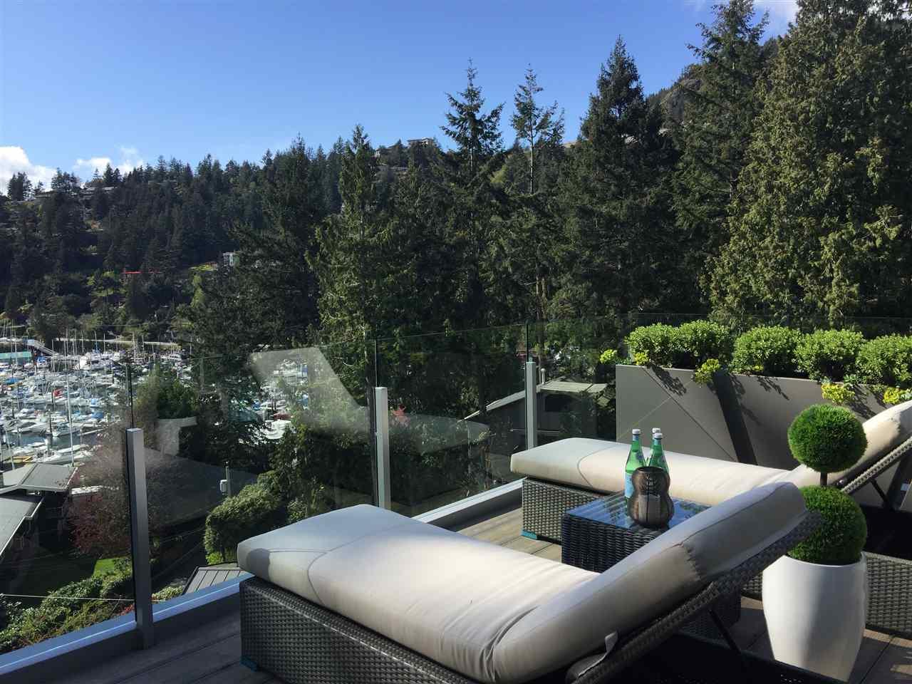 5764 LARSON PLACE, West Vancouver, BC V7W 1S4