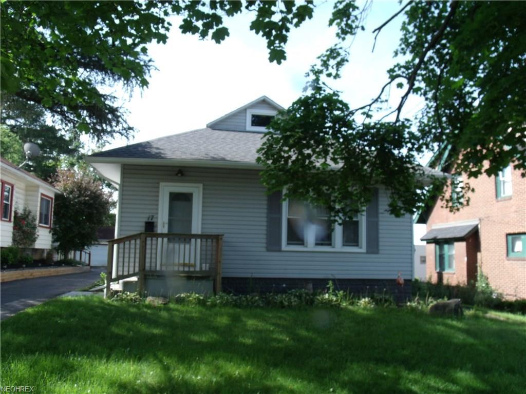 17 E Prospect St, Girard, OH 44420