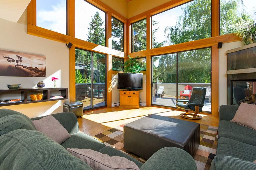 6810 BEAVER LANE, Whistler, BC V0N 1B6