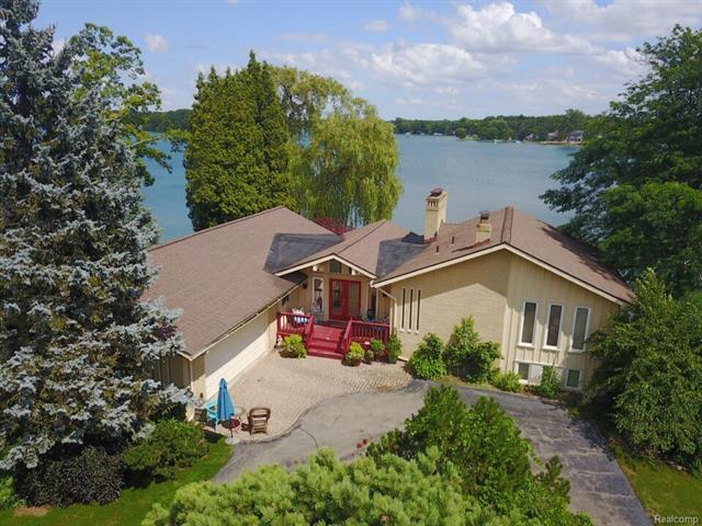 2378 LAKE ANGELUS Lane, Lake Angelus, MI 48326