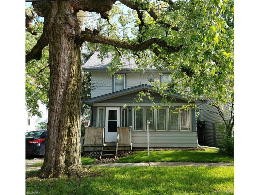 210 New St, Fairport Harbor, OH 44077