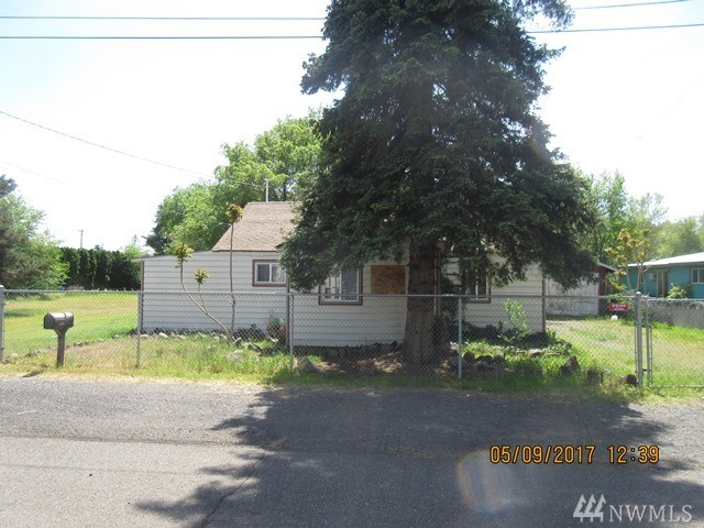 2404 Fairbanks Ave, Yakima, WA 98902