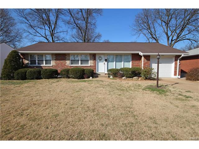 5915 Apple Valley Drive, St Louis, MO 63123