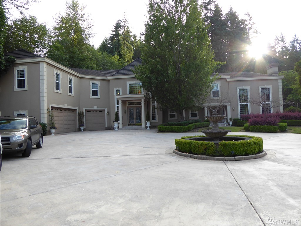 13817 NE 40th St, Bellevue, WA 98005