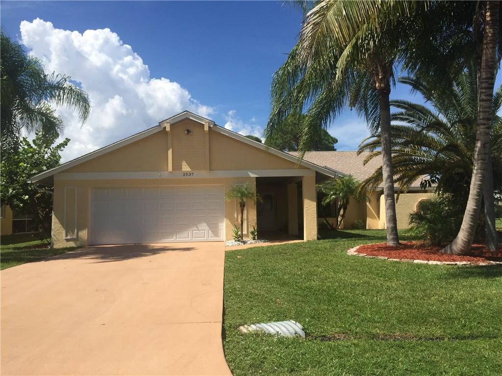 2537 SE Victory Avenue, Port Saint Lucie, FL 34952
