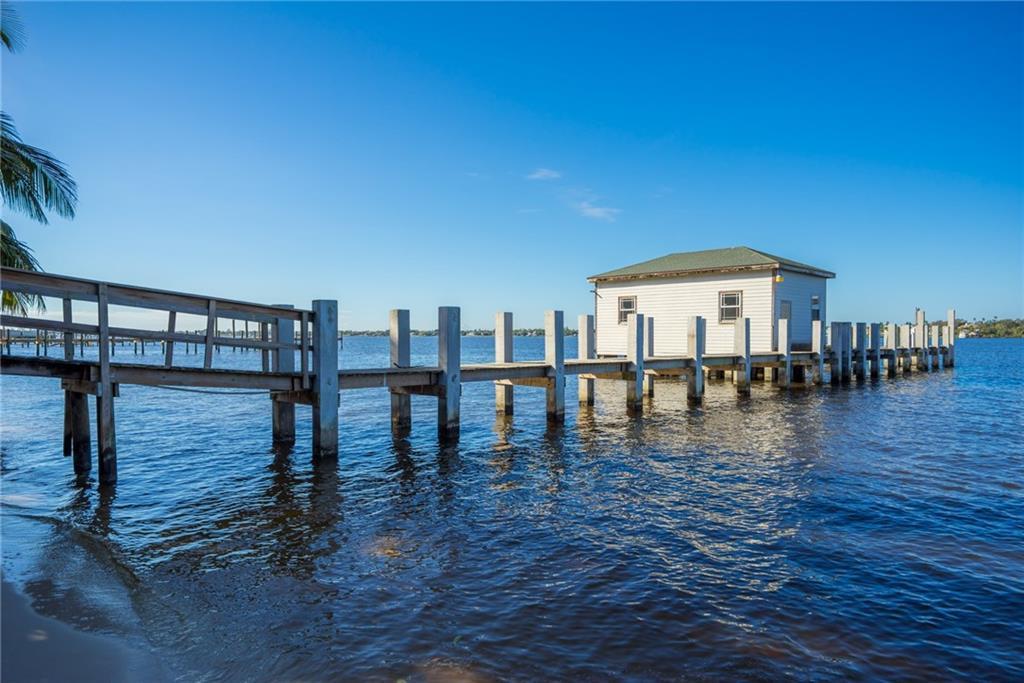 15 S River Road, Sewalls Point, FL 34996