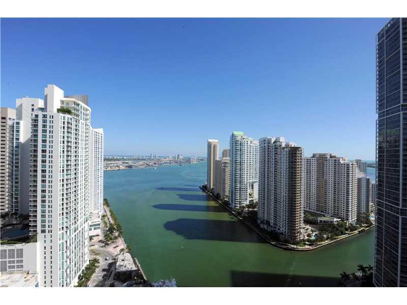 200 Biscayne Boulevard W 3307, Miami, FL 33131