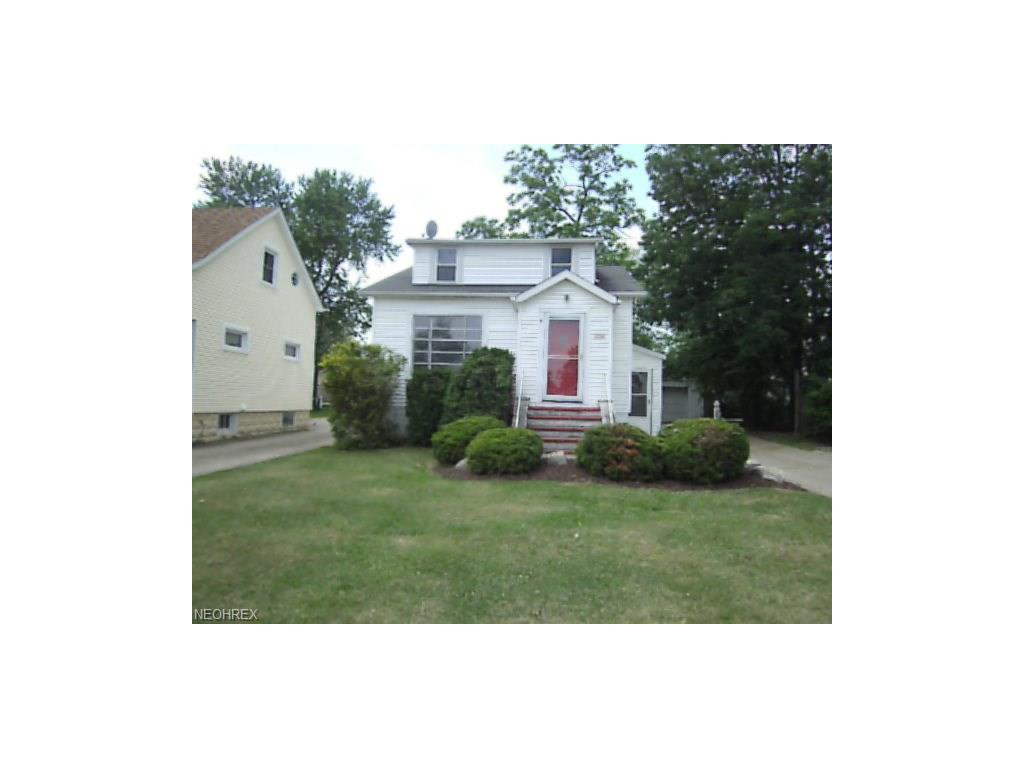 1638 Roselawn Rd, Mayfield Heights, OH 44124