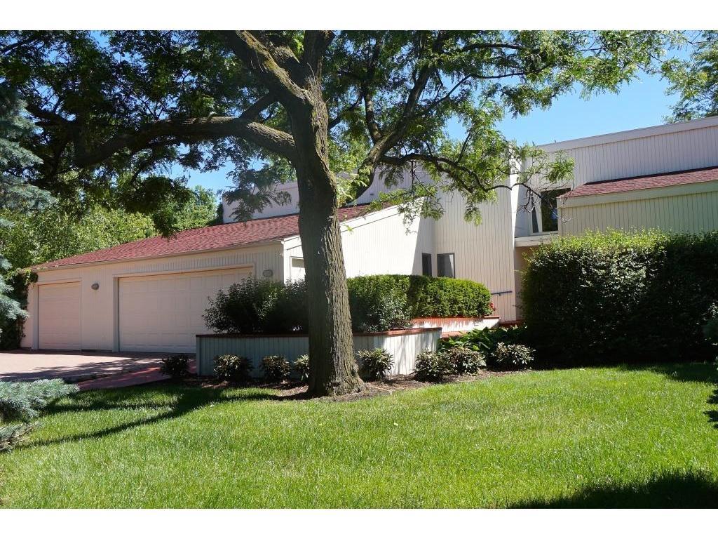 908 Pleasant View Court, Northfield, MN 55057