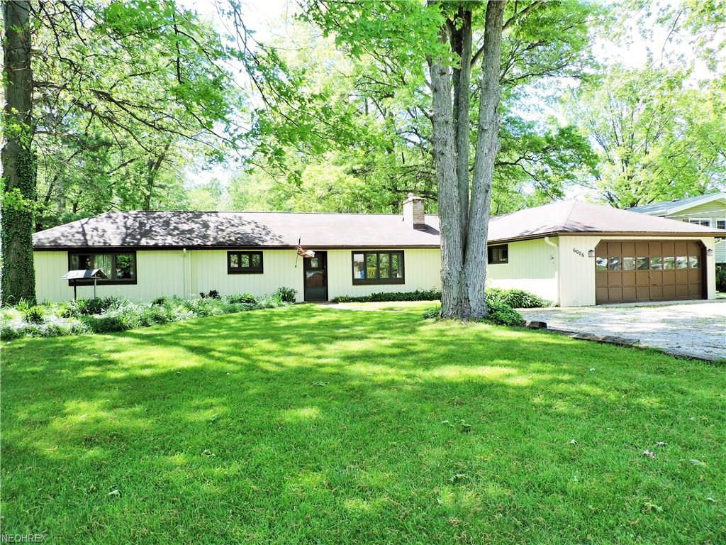 6006 Mackenzie Rd, North Olmsted, OH 44070
