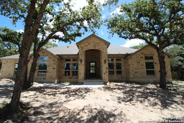 141 BOBBY LYNN DR, Adkins, TX 78101