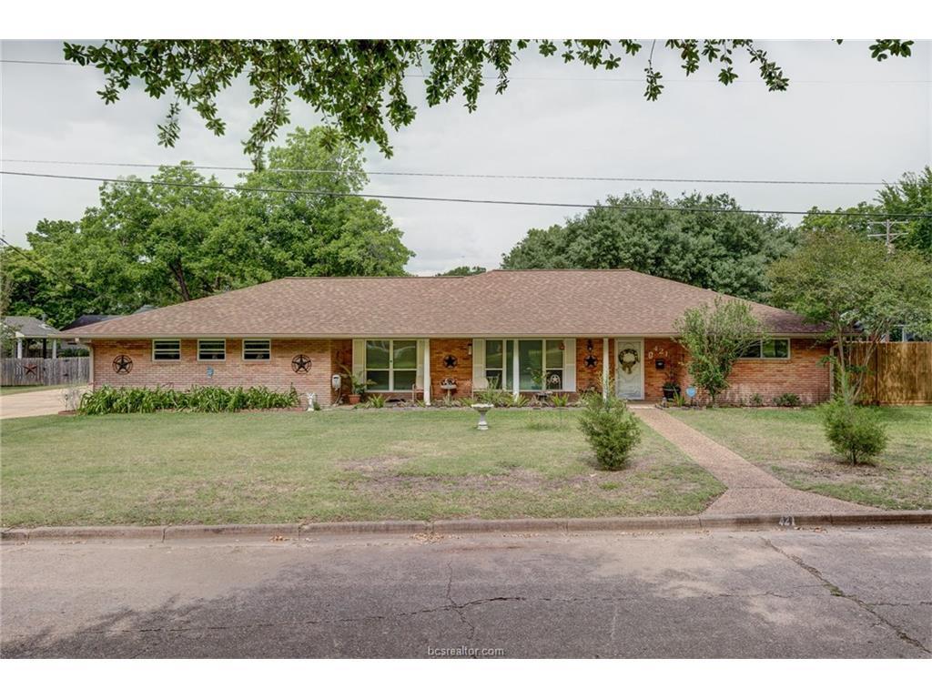 421 Church Street, Navasota, TX 77868