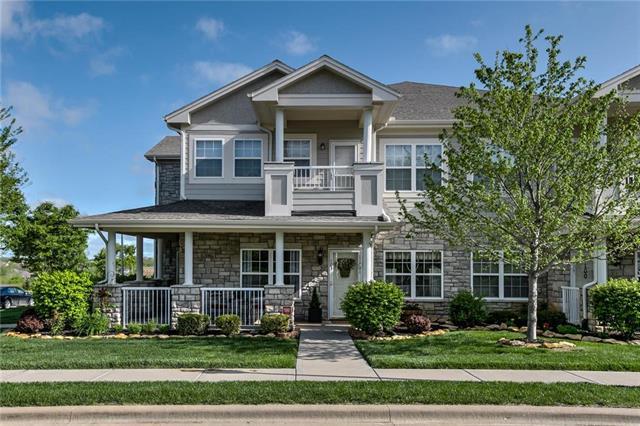 11701 S Roundtree Street, Olathe, KS 66061
