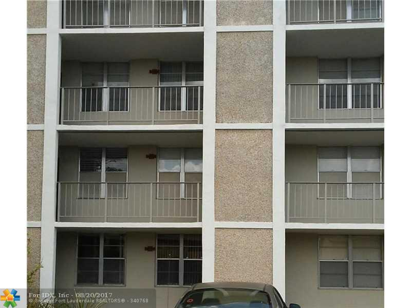 2900 NW 48th Ter 106, Lauderdale Lakes, FL 33313