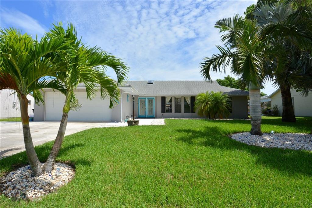 465 SW Whitmore Drive, Port Saint Lucie, FL 34984