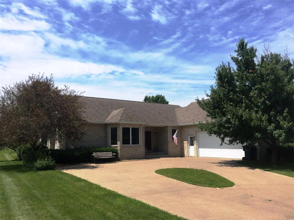 1243 Country Heights Lane, West Liberty, IA 52776