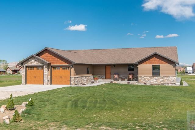 8 Copper Creek Tr, Cody, WY 82414