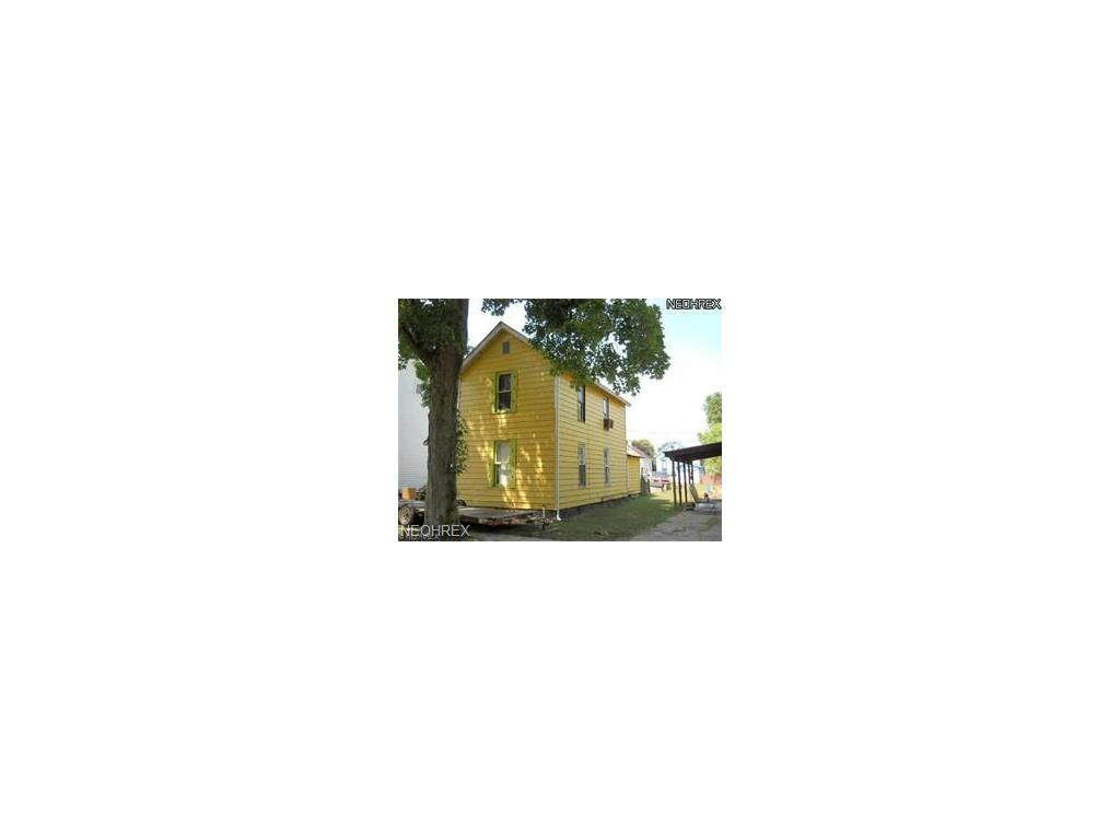 505 N 9th St, Coshocton, OH 43812