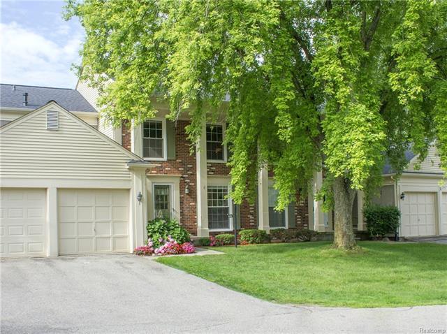 1504 HIDDEN VALLEY Lane 217, Rochester Hills, MI 48306