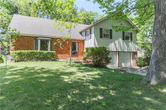 7722 Chadwick Street, Prairie Village, KS 66208