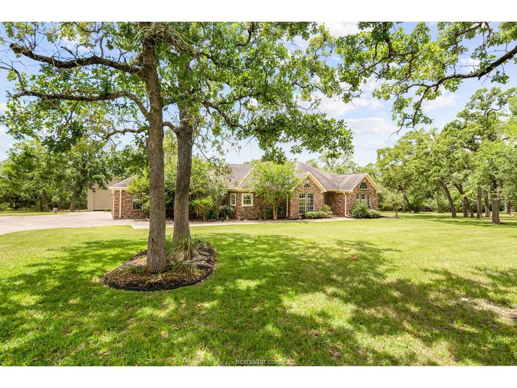 5811 Stallion Ridge Drive, College Station, TX 77845