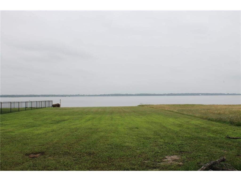 211 Cape Shore, Mabank, TX 75143