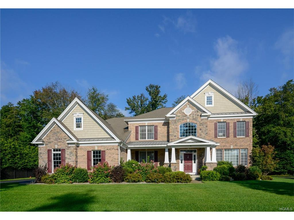 10 Holly Crescent, Hopewell Junction, NY 12533