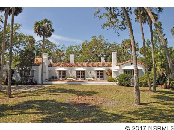 636 Riverside Dr, New Smyrna Beach, FL 32168