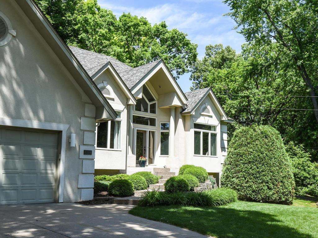 8124 Oakmere Road, Bloomington, MN 55438