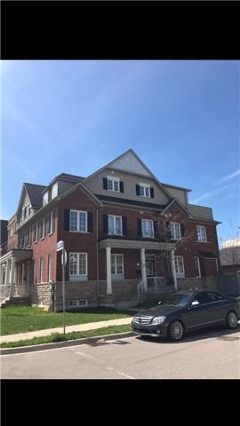 2 Hackett Ave, Toronto, ON M3J 0C1