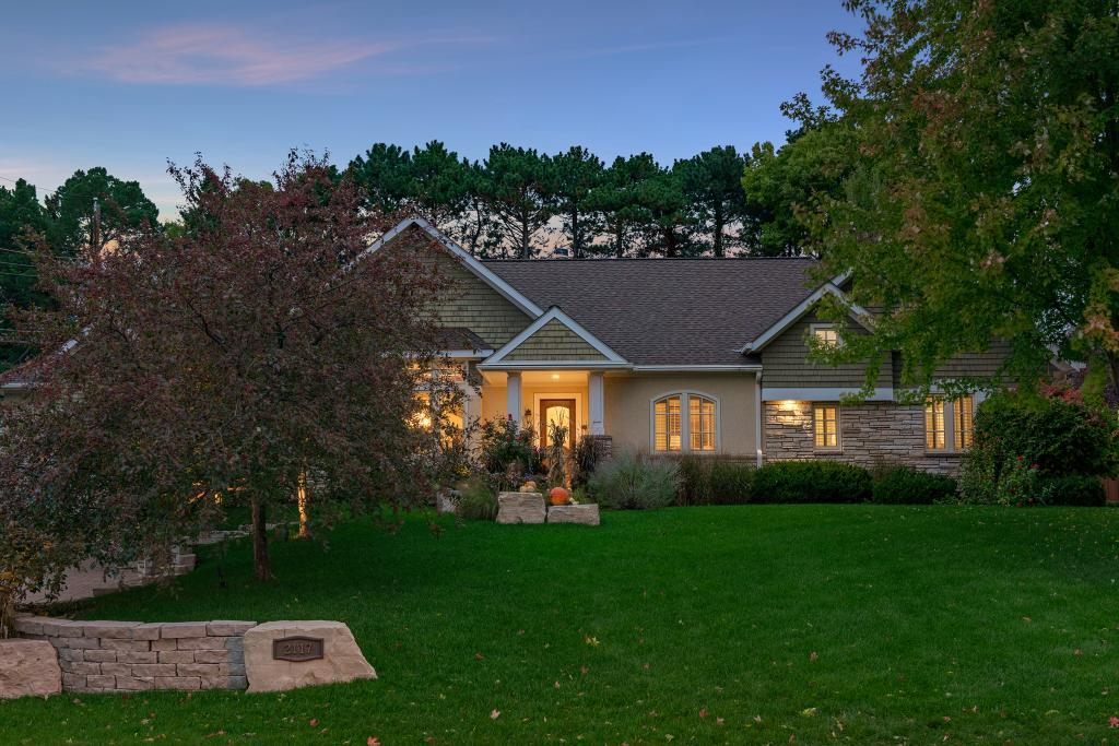 2117 Upper Saint Dennis Road, Saint Paul, MN 55116