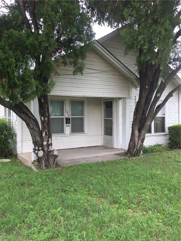 104 East Road, Stephenville, TX 76401