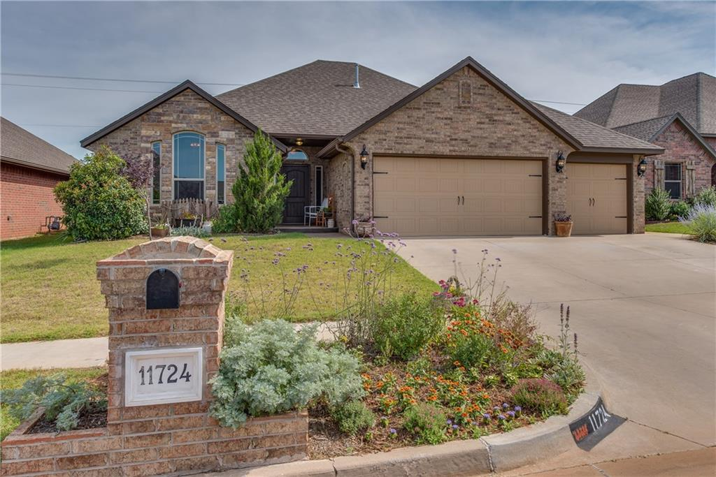 11724 SW 24th Terrace, Yukon, OK 73099