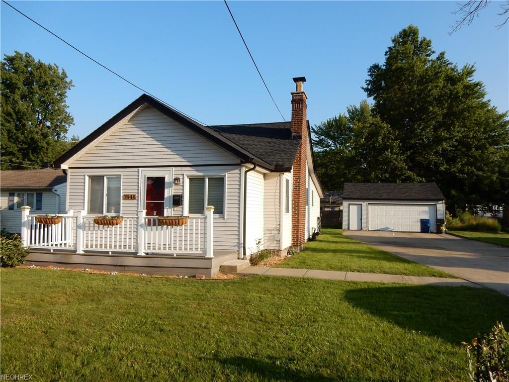 7648 Pinehurst Dr, Mentor-on-the-Lake, OH 44060