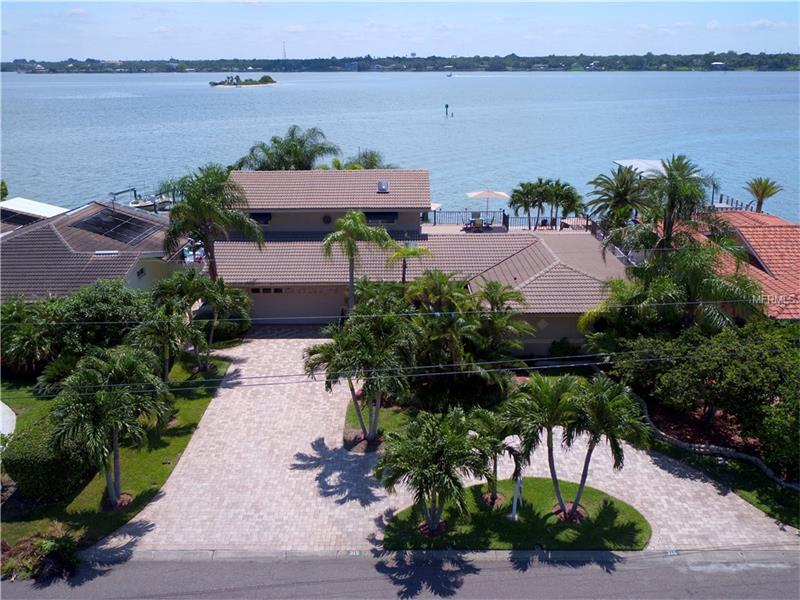 315 WINDWARD ISLAND, CLEARWATER BEACH, FL 33767