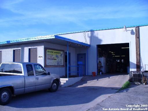 103 E Turbo Dr, San Antonio, TX 78216