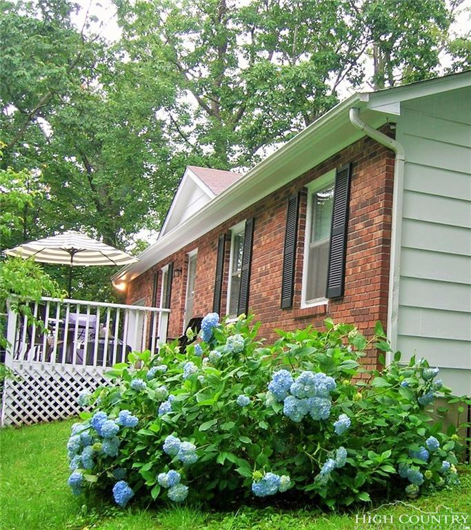 973 Ravens Ridge Circle, Boone, NC 28607