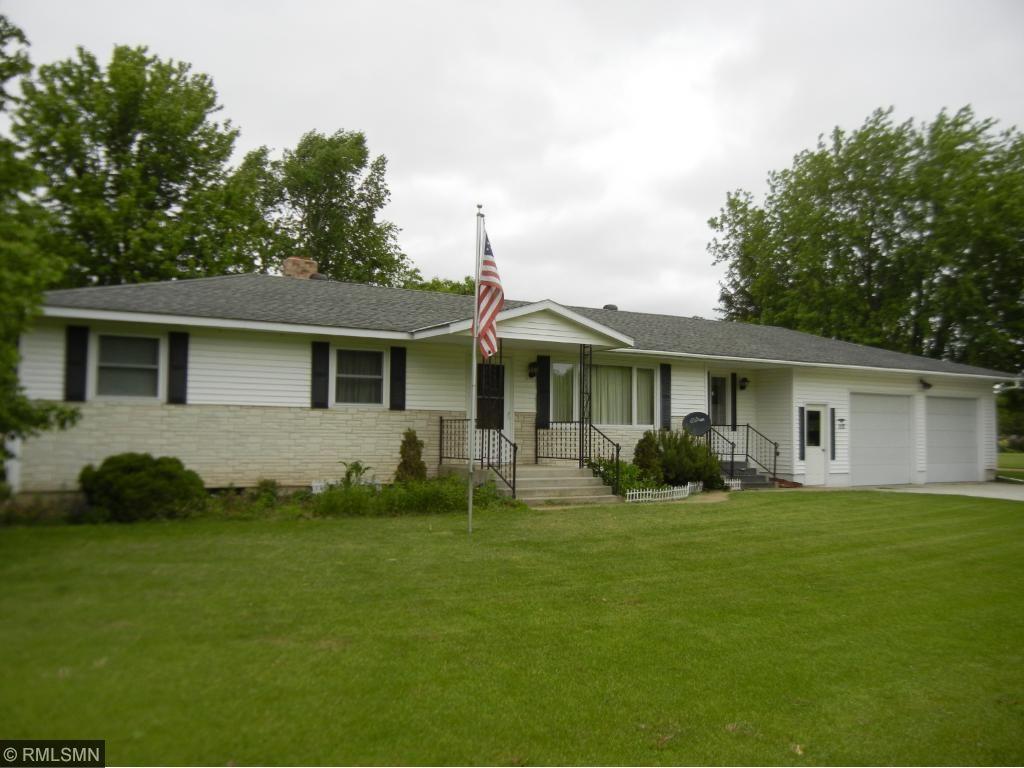 112 Mill Avenue E, Clarissa, MN 56440
