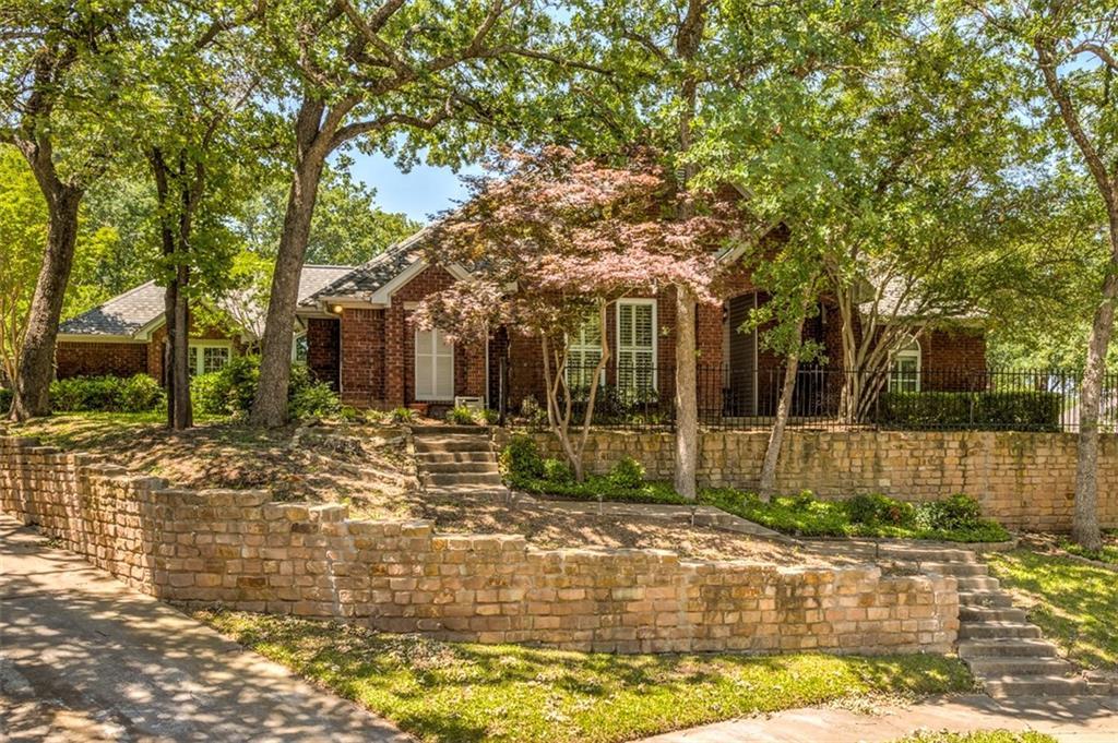 3253 Oak Tree Lane, Grapevine, TX 76051
