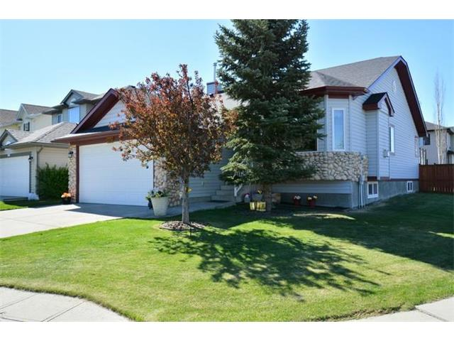180 West Lakeview Place, Chestermere, AB T1X 1K3