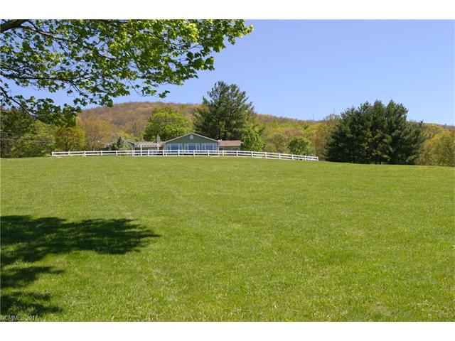 438 Flat Top Mountain Road, Fairview, NC 28730